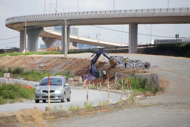 Toàn cảnh đại công trường 402 tỷ đồng nối vành đai 3 với cao tốc Hà Nội - Hải Phòng ảnh 13