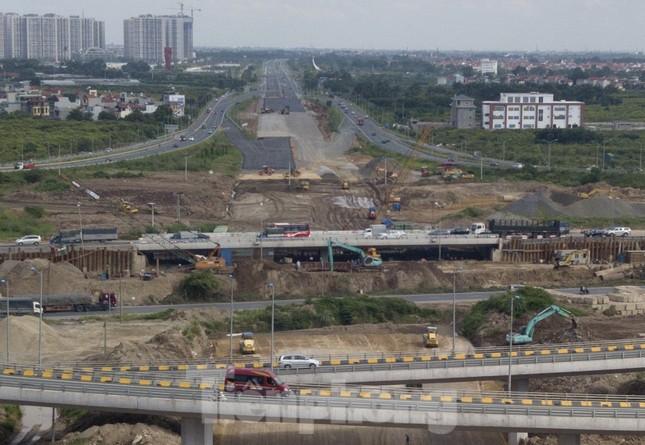 Toàn cảnh đại công trường 402 tỷ đồng nối vành đai 3 với cao tốc Hà Nội - Hải Phòng ảnh 11