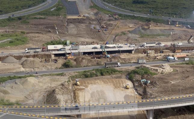 Toàn cảnh đại công trường 402 tỷ đồng nối vành đai 3 với cao tốc Hà Nội - Hải Phòng ảnh 2