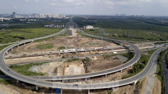 Toàn cảnh đại công trường 402 tỷ đồng nối vành đai 3 với cao tốc Hà Nội - Hải Phòng ảnh 1