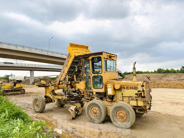 Toàn cảnh đại công trường 402 tỷ đồng nối vành đai 3 với cao tốc Hà Nội - Hải Phòng ảnh 6