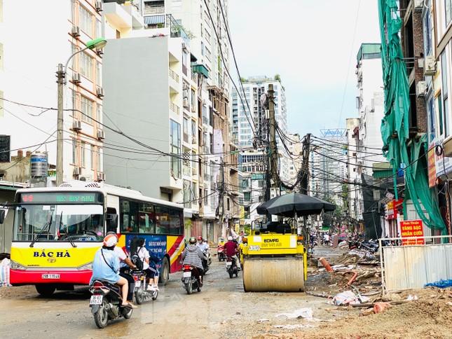 Tuyến đường dài hơn 400 mét ở Hà Nội thi công ba năm chưa về đích ảnh 1