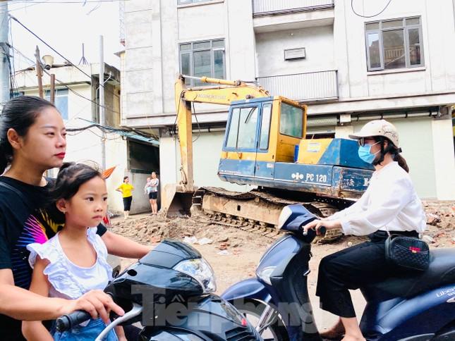 Tuyến đường dài hơn 400 mét ở Hà Nội thi công ba năm chưa về đích ảnh 9