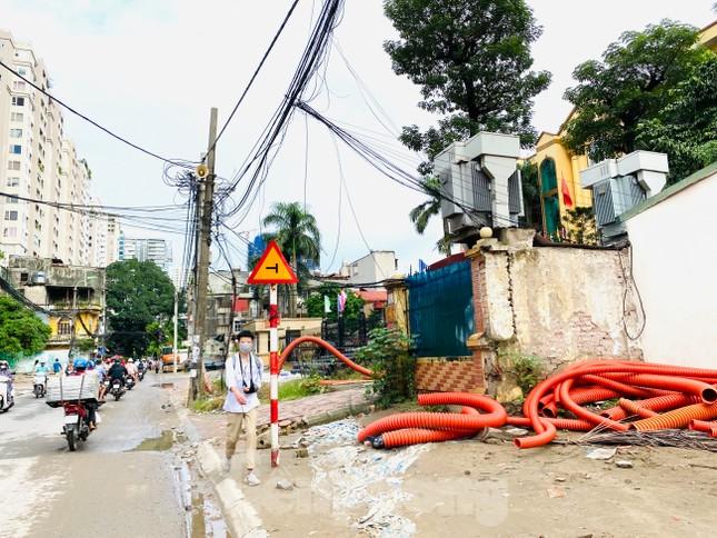 Tuyến đường dài hơn 400 mét ở Hà Nội thi công ba năm chưa về đích ảnh 11