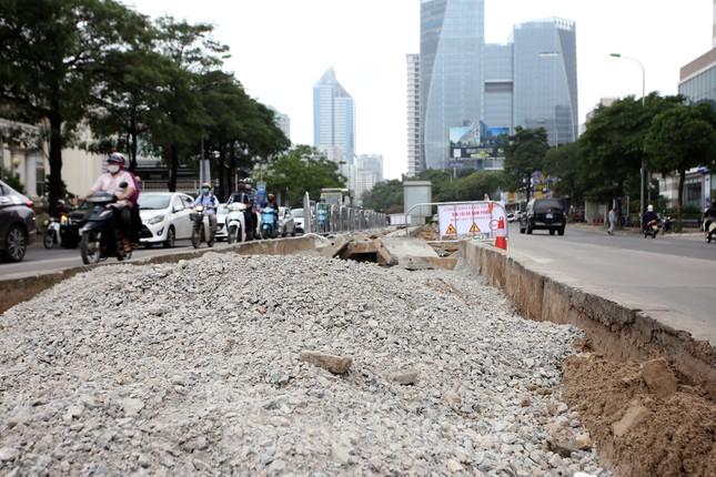 Rào chắn thi công hầm chui Lê Văn Lương tại nút giao 10 làn xe ảnh 5
