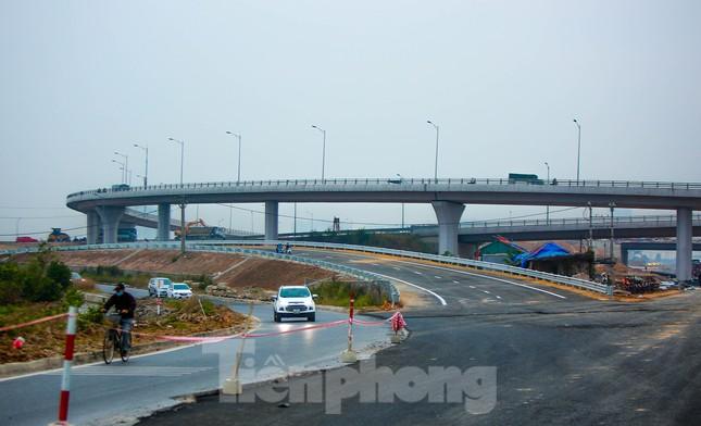 Nhìn gần nút giao 400 tỷ đồng sắp hoàn thiện ở Hà Nội ảnh 6