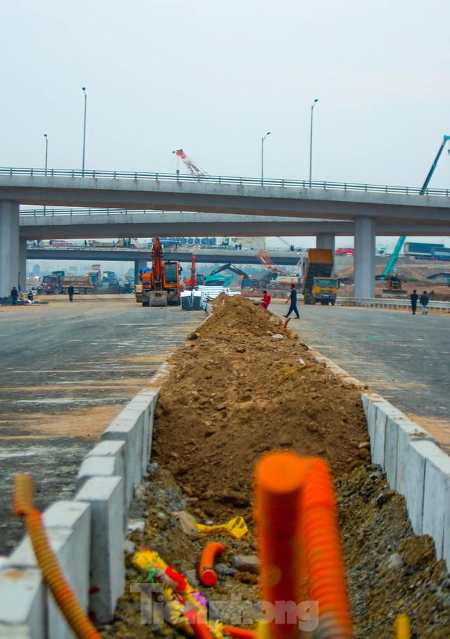 Nhìn gần nút giao 400 tỷ đồng sắp hoàn thiện ở Hà Nội ảnh 7