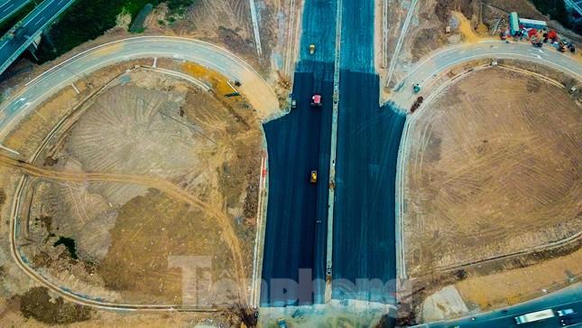 Nhìn gần nút giao 400 tỷ đồng sắp hoàn thiện ở Hà Nội ảnh 2