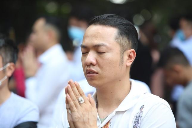 Người dân Thủ đô chen chân đi lễ Phủ Tây Hồ ngày đầu tháng 11 âm lịch ảnh 7