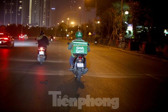 Lái xe công nghệ Hà Nội xoay xở mưu sinh trong thuế phí và giá lạnh ảnh 7