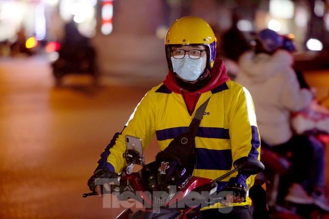Lái xe công nghệ Hà Nội xoay xở mưu sinh trong thuế phí và giá lạnh ảnh 12