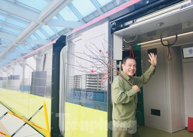 Có gì bên trong đoàn tàu metro Nhổn - ga Hà Nội? ảnh 14