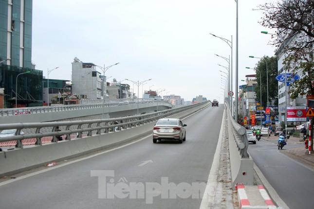 Đường phố Thủ đô thông thoáng ngày đầu đi làm sau Tết ảnh 11