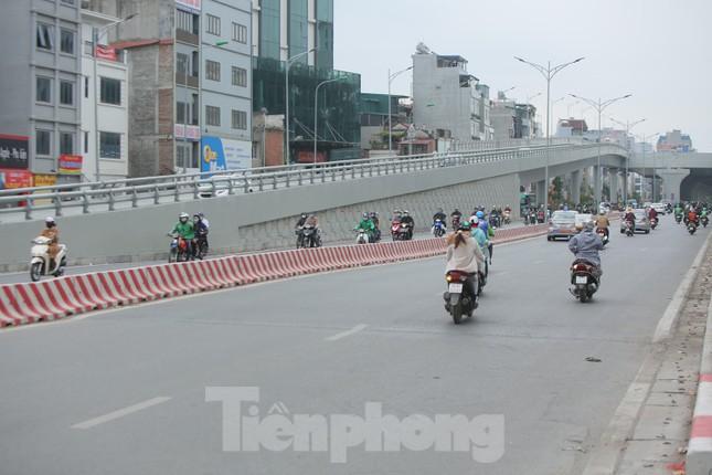Đường phố Thủ đô thông thoáng ngày đầu đi làm sau Tết ảnh 7