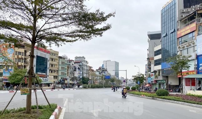 Đường phố Thủ đô thông thoáng ngày đầu đi làm sau Tết ảnh 10