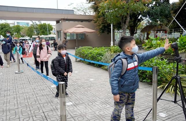 Sáng nay, hơn hai triệu học sinh Hà Nội trở lại trường ảnh 19