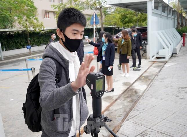 Sáng nay, hơn hai triệu học sinh Hà Nội trở lại trường ảnh 18