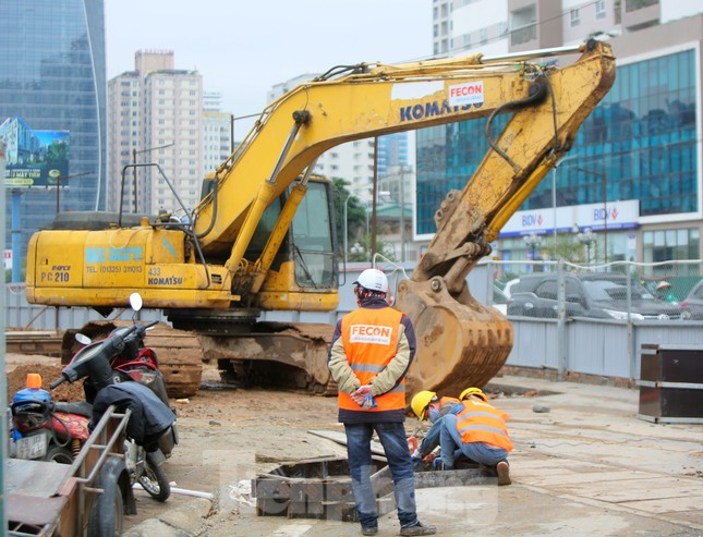 Tăng tốc thi công hầm chui đường bộ nút giao Lê Văn Lương - Khuất Duy Tiến ảnh 3