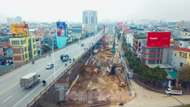 Cận cảnh đại công trường cầu Vĩnh Tuy 2 'nghìn tỷ' vượt sông Hồng ảnh 2