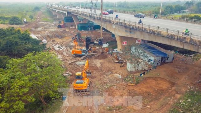 Cận cảnh đại công trường cầu Vĩnh Tuy 2 'nghìn tỷ' vượt sông Hồng ảnh 10