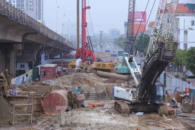 Cận cảnh đại công trường cầu Vĩnh Tuy 2 'nghìn tỷ' vượt sông Hồng ảnh 9