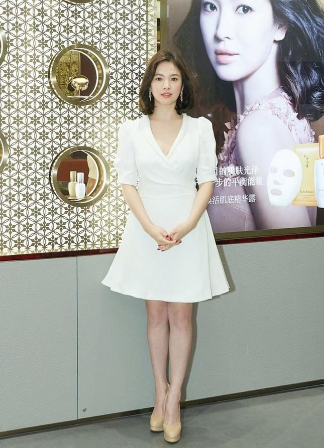Song Hye Kyo có bí quyết gì mà không cao vẫn khiến người khác phải ngước nhìn? ảnh 1