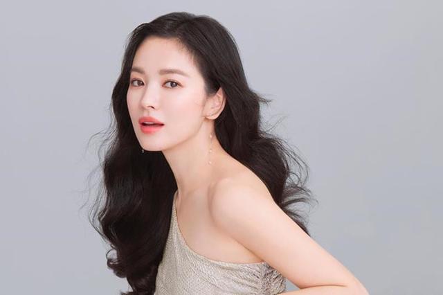 Song Hye Kyo có bí quyết gì mà không cao vẫn khiến người khác phải ngước nhìn? ảnh 7