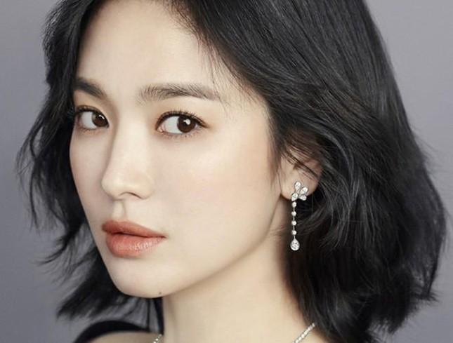 Song Hye Kyo có bí quyết gì mà không cao vẫn khiến người khác phải ngước nhìn? ảnh 6