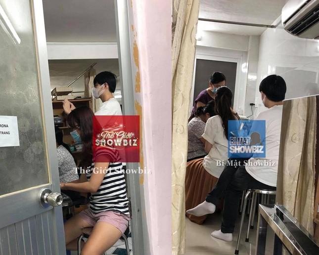 Vì sao khán giả nghi ngờ bức ảnh Ông Cao Thắng đưa Đông Nhi đi khám thai? ảnh 1