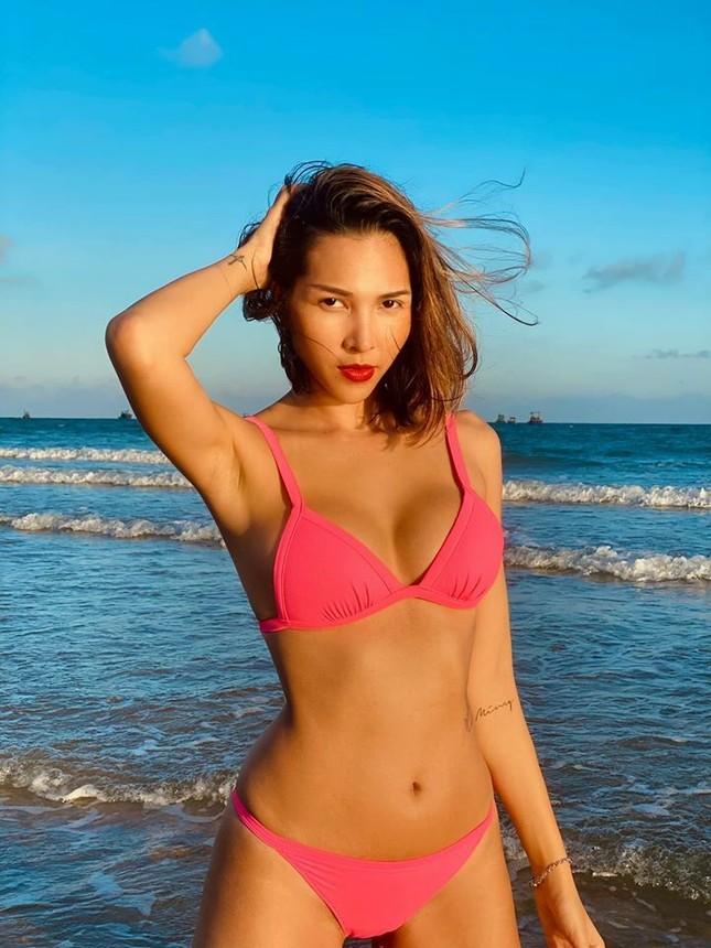 Mùa Hè chưa đến nhưng mỹ nhân Việt đua nhau khoe dáng chuẩn với bikini ảnh 4