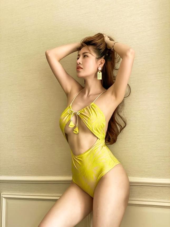 Mùa Hè chưa đến nhưng mỹ nhân Việt đua nhau khoe dáng chuẩn với bikini ảnh 6
