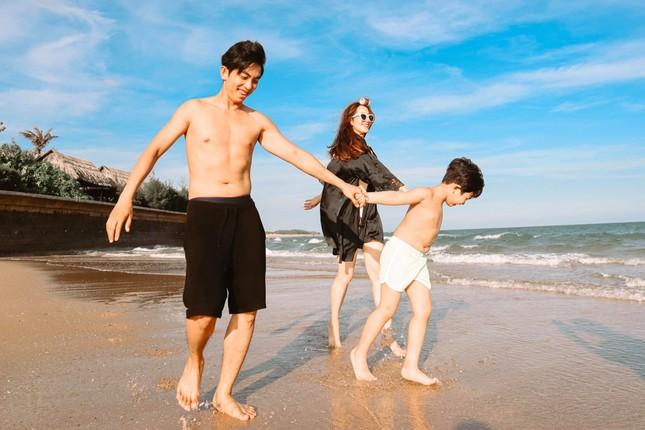 Dù đã là bà mẹ hai con, Khánh Thi vẫn giữ được thân hình đáng ngưỡng mộ ảnh 5