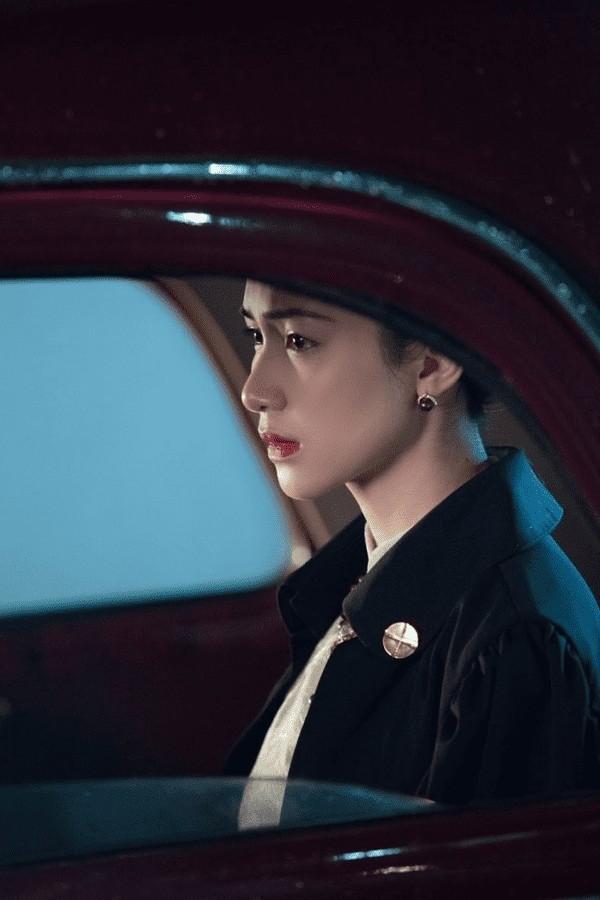 Đã tìm ra nữ diễn viên lỡ hẹn làm Nam Phương Hoàng Hậu trong MV của Hòa Minzy ảnh 1