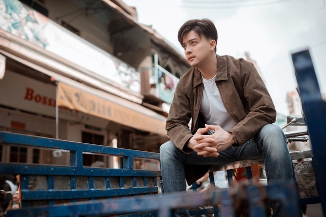 """Sau thời gian """"ở ẩn"""", Cao Thái Sơn liệu có làm nên chuyện với """"Khóc giữa trời mưa""""? ảnh 2"""