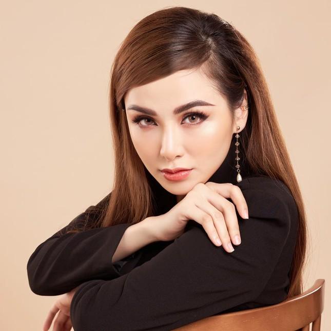 Hoa hậu Diễm Hương đầy ẩn ý khi nhắc đến tin đồn đã ly hôn lần thứ hai ảnh 9