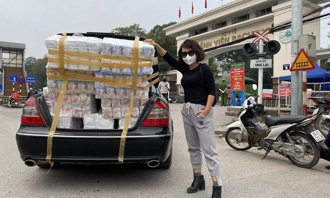 Thái Thùy Linh tiếp tục làm thiện nguyện: Kêu gọi góp khẩu trang cho y bác sĩ Đà Nẵng ảnh 9