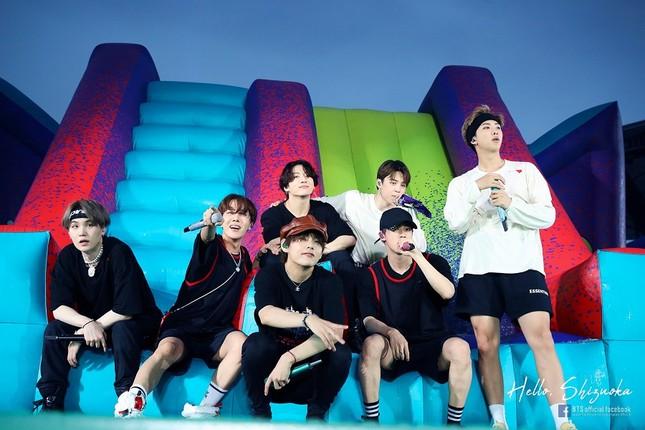 """Vừa tung ca khúc mới, BTS vừa oanh tạc phòng vé với phim """"Break the Silence: The Movie"""" ảnh 2"""