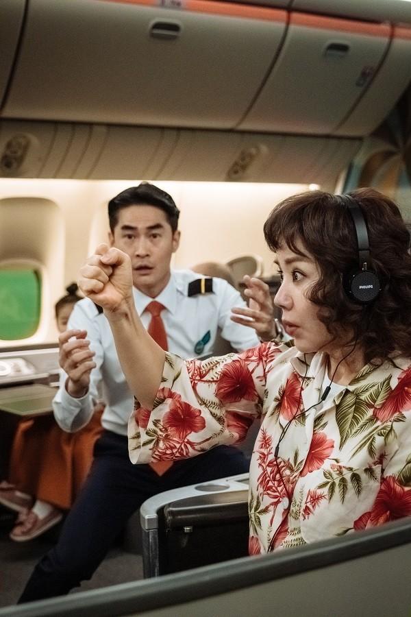 """""""Ô kê, chị đại"""": Khi """"Nữ hoàng gợi cảm"""" xứ Hàn hóa đả nữ đánh đấm siêu chất  ảnh 3"""