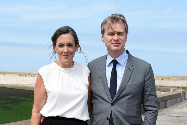 """Hollywood không thiếu những cặp đôi """"tỷ đô"""": Cả vợ lẫn chồng đều quyền lực đáng nể ảnh 8"""