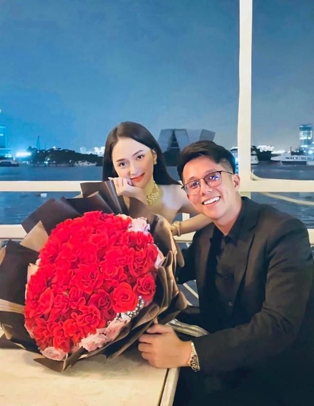 Bất chấp sóng gió, Hương Giang và Matt Liu vẫn kỷ niệm 2 tháng hẹn hò đầy lãng mạn ảnh 3