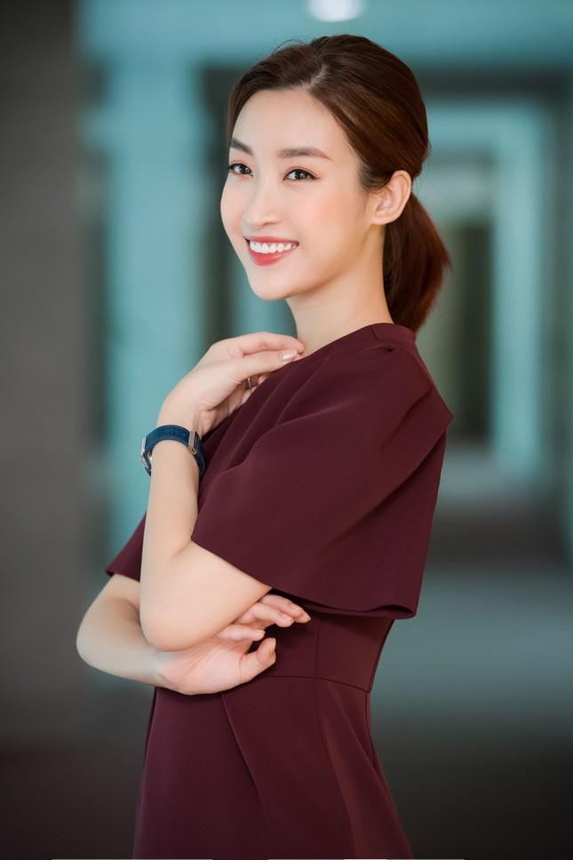 Vì sao Hoa hậu Đỗ Mỹ Linh chưa mua nhà, mua xe, dù tài chính dư dả? ảnh 7