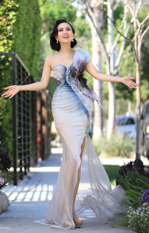 Sở hữu tài sản hơn 1 tỷ đôla, nghệ sĩ giàu nhất Việt Nam có gu thời trang thế nào? ảnh 6