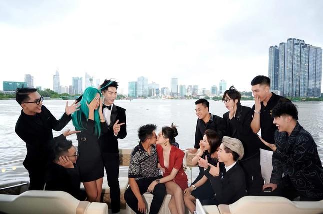Hai cặp đôi đình đám showbiz cùng chung khung hình khiến khán giả chỉ mong có đám cưới đôi ảnh 1