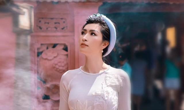 Giữa COVID-19, Nguyễn Hồng Nhung may mắn được trở về Việt Nam để tổ chức đêm nhạc riêng ảnh 9