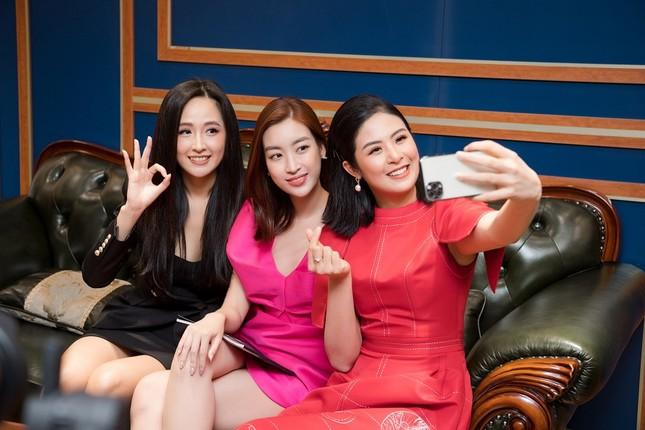 Không scandal, lại kinh doanh mát tay, Hoa hậu Việt Nam 2010 đúng là hiếm thấy ở showbiz ảnh 8