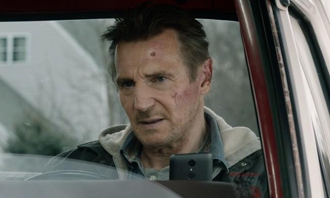 """Liam Neeson mãi chưa thoát kiếp lận đận, lại cân não đối đầu FBI trong """"Phi vụ hoàn lương"""" ảnh 3"""