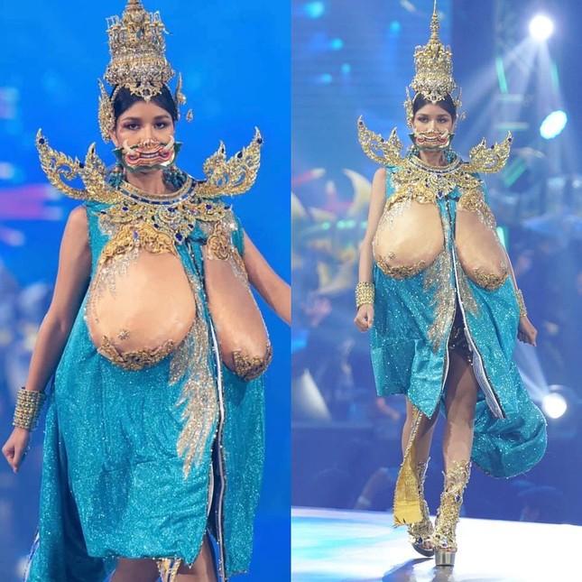 Khán giả giật mình trước trang phục dân tộc ngực trần khổng lồ ở Hoa hậu Hoàn vũ Thái Lan ảnh 9