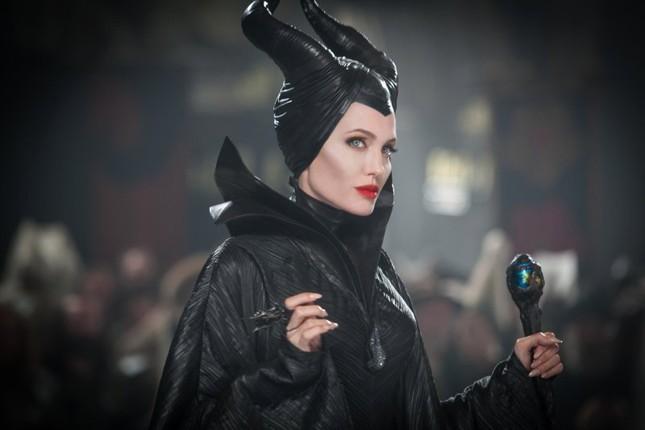 Không còn là bà già cưỡi chổi, phù thủy thế kỷ 21 toàn mỹ nhân xinh đẹp nóng bỏng ảnh 8