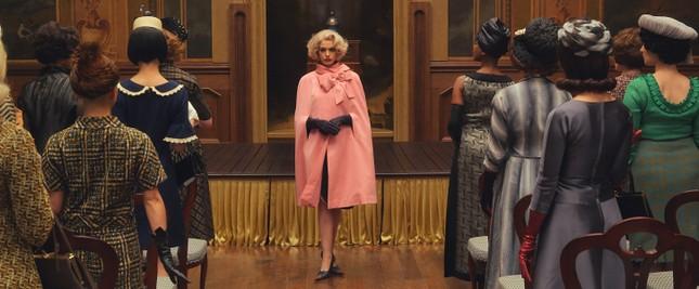 """Đóng phim nào cũng tạo xu hướng thời trang, Anne Hathaway quả đúng là """"nữ hoàng mặc đẹp"""" ảnh 9"""
