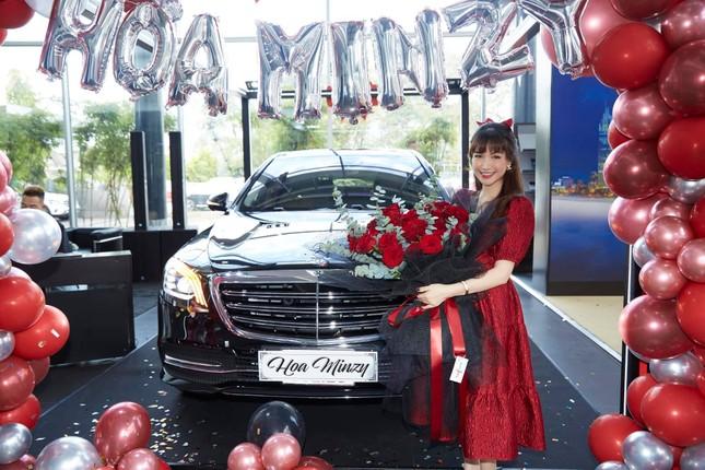 Dù có chồng giàu có, Hòa Minzy vẫn được hội chị em khen ngợi vì quan điểm này ảnh 4